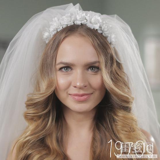 美妆资讯 热点蜜报 2分钟看完50年婚礼发型    在大沙宣还未崛起的图片