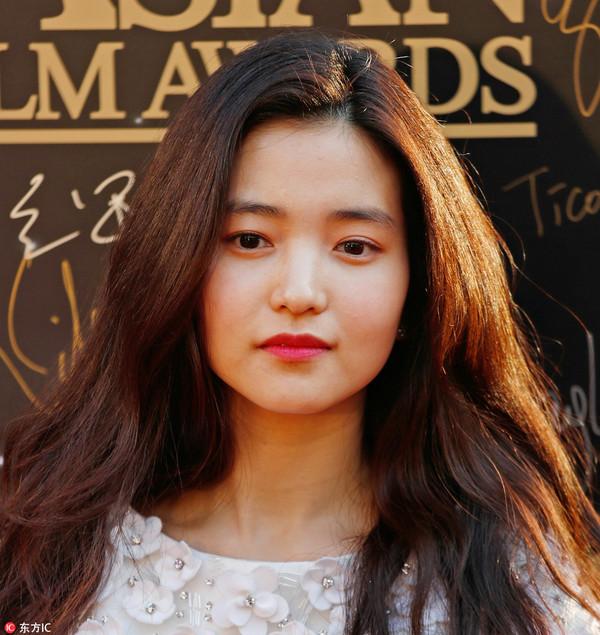2017年3月21日,香港,第11届亚洲电影大奖红毯。金泰璃