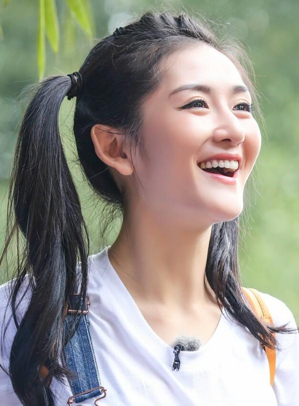 2016年8月23日,湖南卫视《我们来了》拍摄现场花絮照。陈乔恩   3