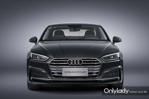 全新奥迪A5 Coupe双门轿跑凌厉的前脸设计