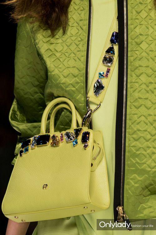 288461193feefcdb8876a7b129fe04f9--greenery-fashion-green-bag