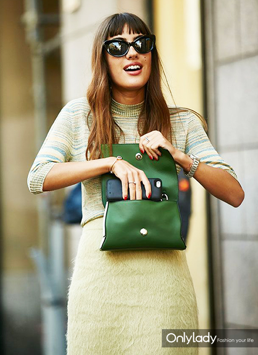 dce1aefd1554e820828aaad32013a485--street-style-summer-green-clutches