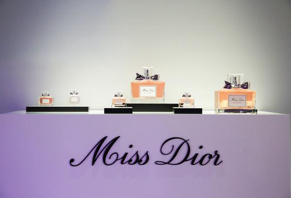 Miss Dior 迪奥小姐香水产品展示 (3)