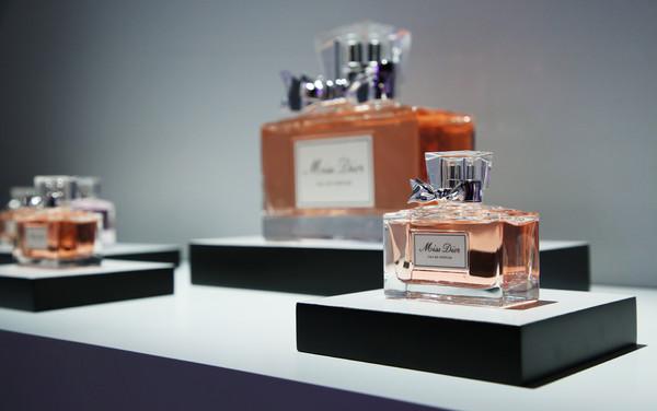 Miss Dior 迪奥小姐香水产品展示 (4)