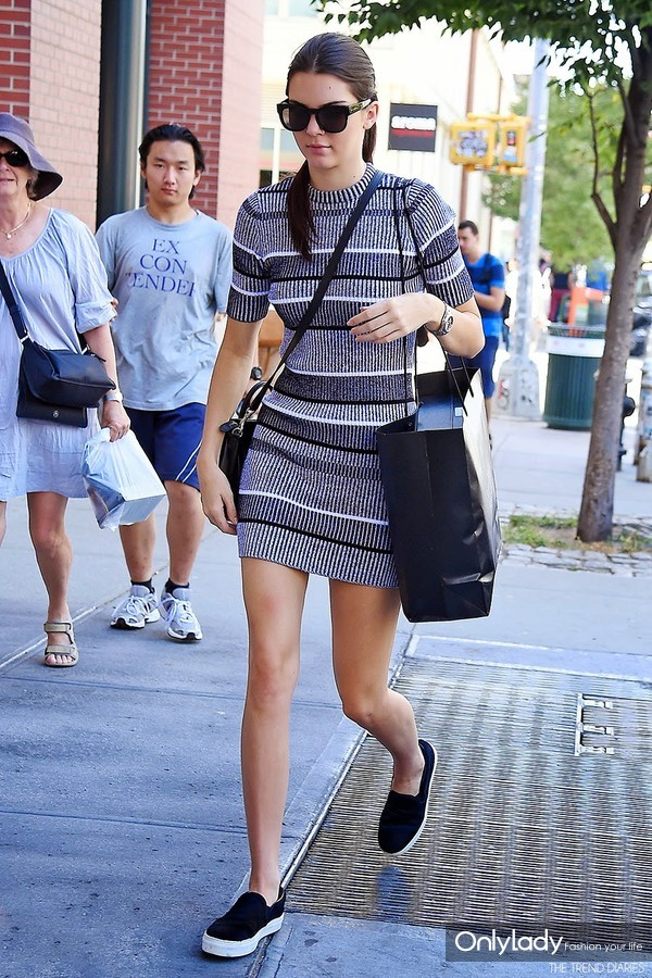 rib-knit-dress-and-platform-sneakers