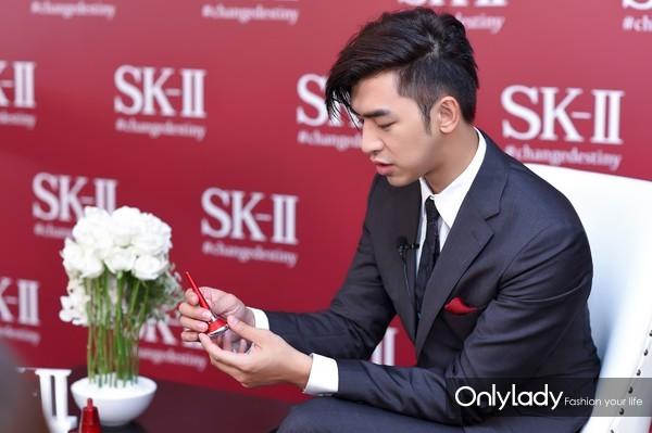 --- SK-II X 天猫超级品牌日新品发布会图片——SK-II品牌创意师参与媒体采访并分享产品使用感受