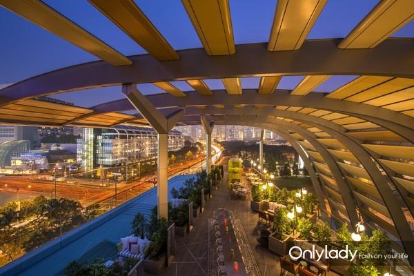 JW万豪酒店 – 空中花园