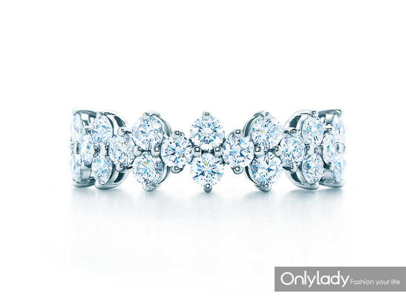 Tiffany & Co. µÙܽÄáAriaϵÁв¬½ðÏâ×ê½äÖ¸