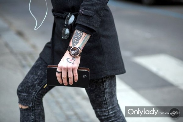 2c7c3273bc9852379010f412102e8e6b--men-with-tattoos-men-photography