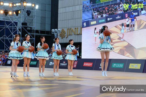 10:人气女团SNH48现场助阵