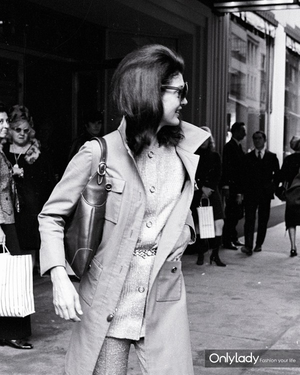 jacqueline-kennedy-Gucci-TheGoldenStyle