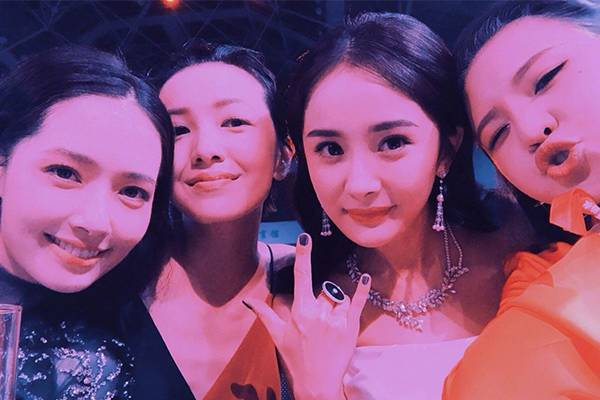 2015年《小时代》系列电影完结,各自忙碌的四姐妹很少有机会同现身