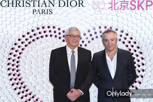 Dior迪奥香水化妆品全球总裁Claude Martinez(右)与Dior迪奥首席调香师Franc