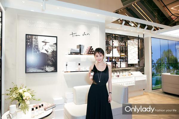 Dior迪奥香氛世家大使 著名演员王子文体验新品
