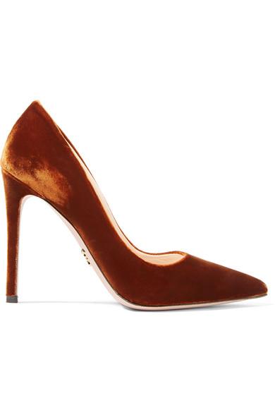 Prada 天鹅绒高跟鞋