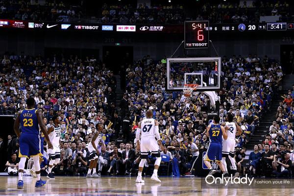 7:NBA中国赛上海站现场战况激烈
