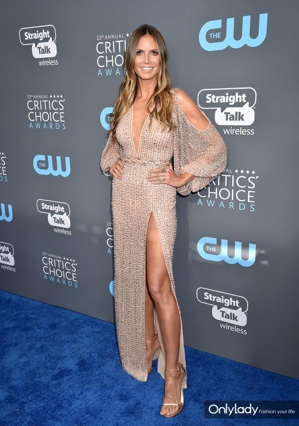 Heidi Klum wears Stuart Weitzman 2 - 1.11.18 - HIRES