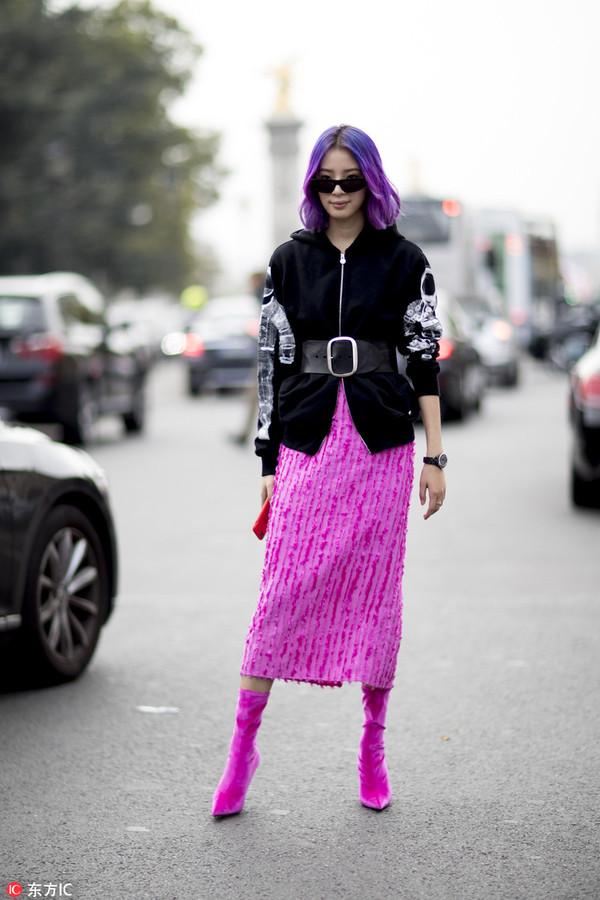 短靴Balenicaga 外套Chanel 裙Sies Marjan 腰带Isable Marant