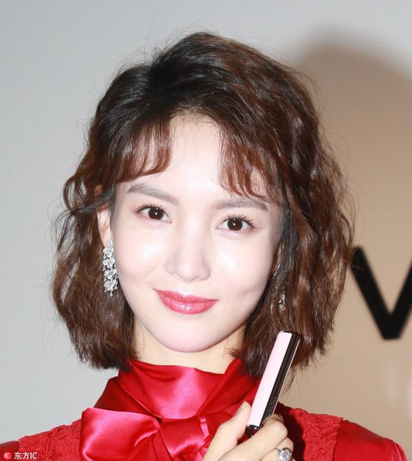 2017年9月15日,上海,众星出席Givenchy品牌活动。金晨