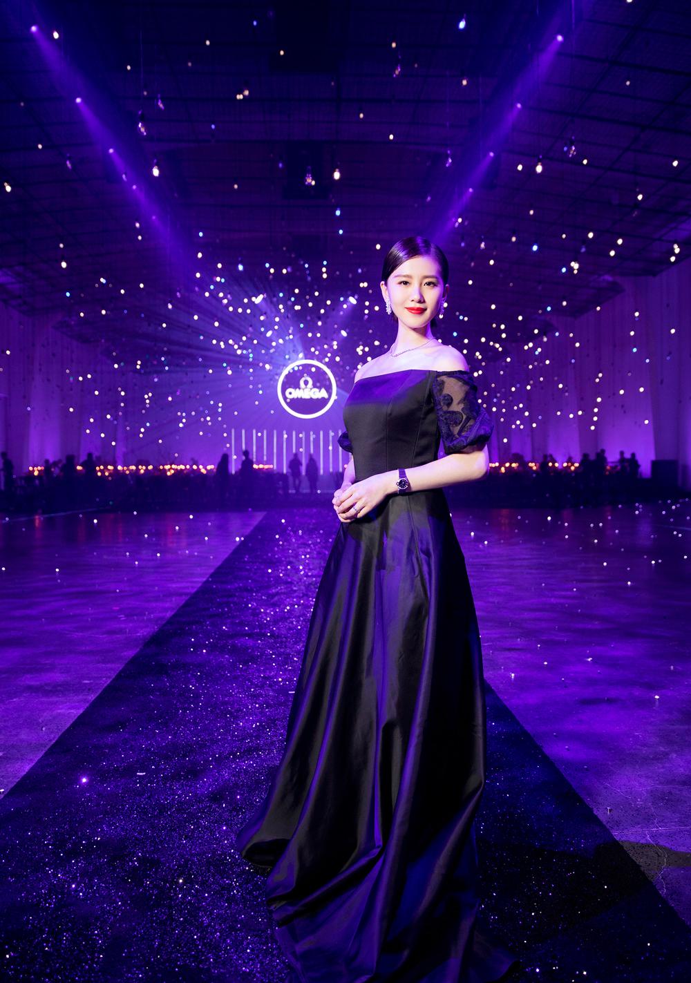 """欧米茄携手名人大使刘诗诗发布全新星座系列""""蓝色星空""""限量版女士腕表"""