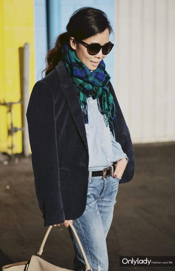 Halliedaily-Fall-Style-with-Scarf-1