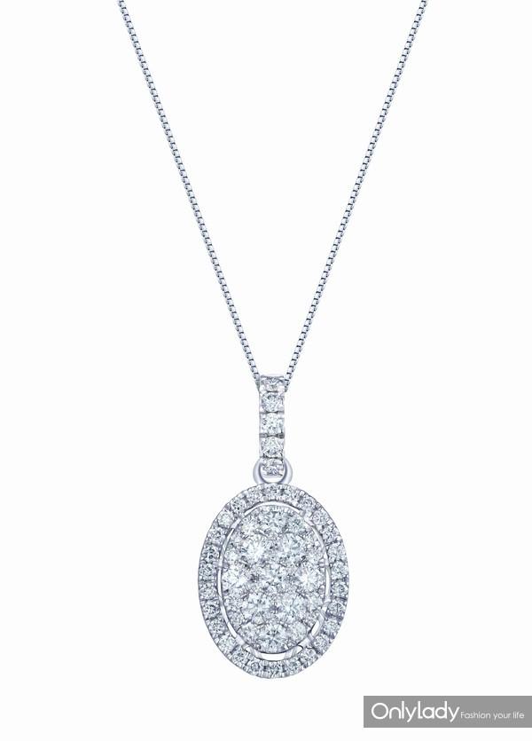 配图5-18K白色黄金配镶白色钻石项链右:参考价格RMB 12,990元