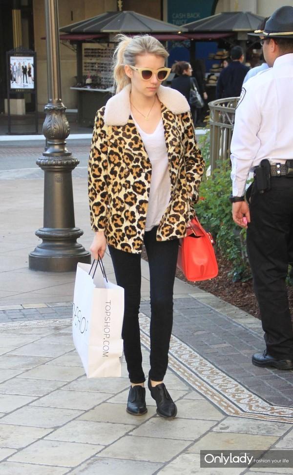 Emma-Roberts-in-Leopard-Print-Coat--05