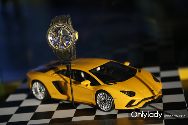 Excalibur Aventador SϵÁÐÍó±í-»ÆÉ«ÏÞÁ¿¿î