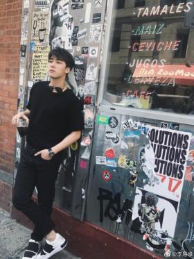 李易峰纽约街头帅气演绎GENTLE MONSTER冬日美型男