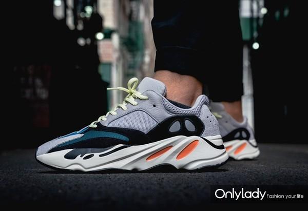 YEEZY BOOST 700运动鞋
