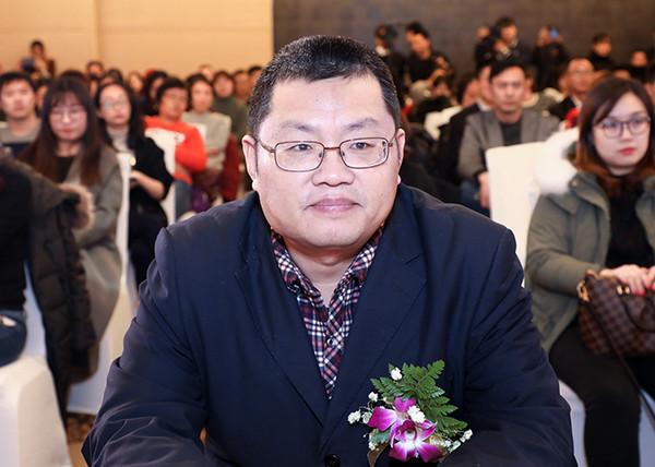 北京市发展和改革委员会产业处调研员刘登阁