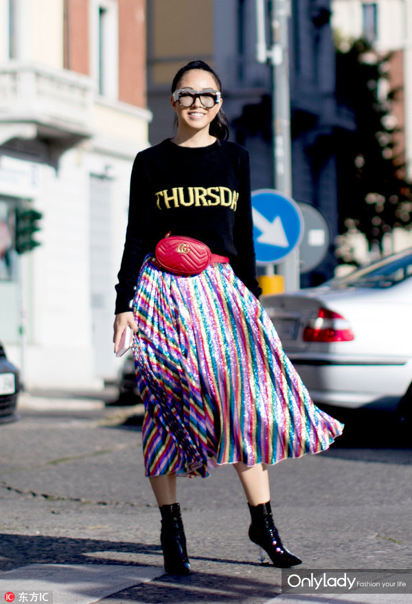 Alberta Ferretti 半身裙 腰包Gucci 靴子Saint Laurent Opyum