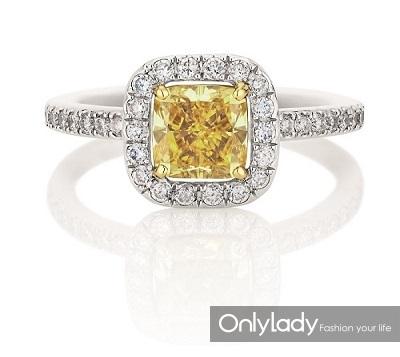 De Beers戴比尔斯Aura枕形黄钻戒指