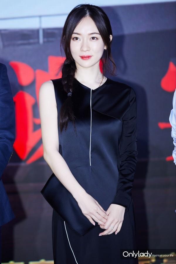霍思燕出席《红海行动》庆功宴 (2)