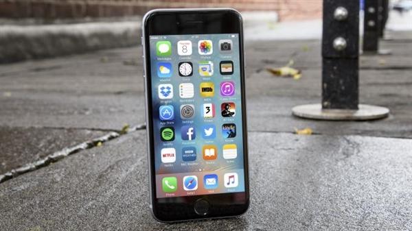 300元!B&H智能电池盒上架:适用iPhone 7/8
