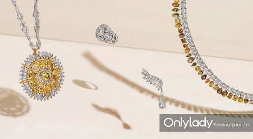 Ra项链、Celestia戒指、Cupid耳环和Vulcan 手链