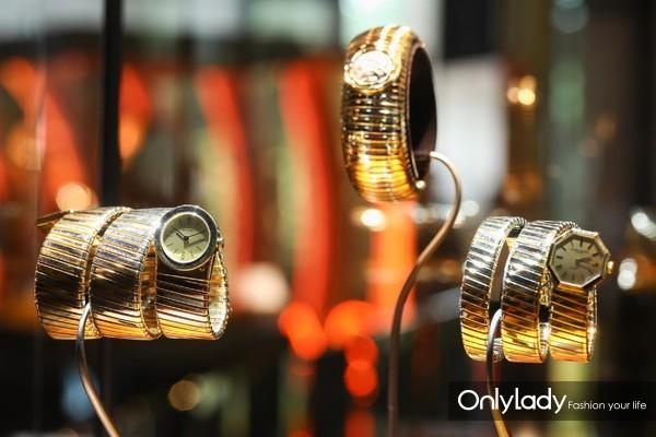 宝格丽古董典藏系列Tubogas腕表