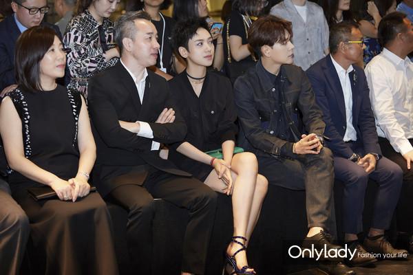 凰艮时尚集团创始人黄佩女士、凰艮时尚集团董事长黄有来先生、李晓峰、徐海乔