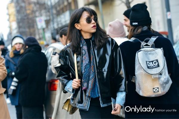 06-pvc-street-style