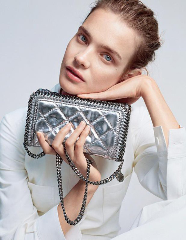Stella-McCartney-Falabella-Quilted-Metallic-Cross-Body-Bag-618x800