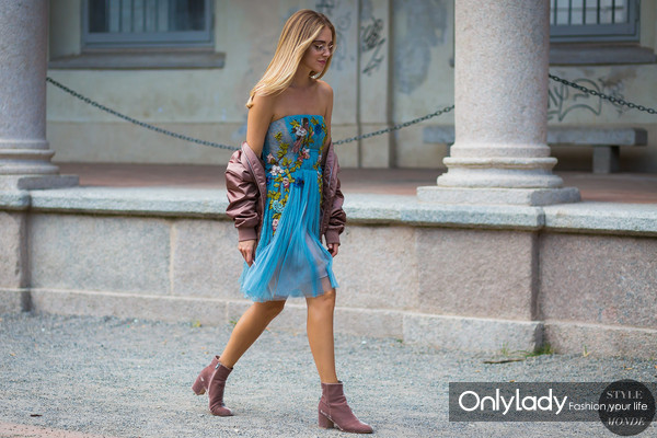 Chiara-Ferragni-by-STYLEDUMONDE-Street-Style-Fashion-Photography0E2A2982-700x467@2x