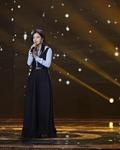 赵薇黑色长裙亮相活动 造型简约气质高雅