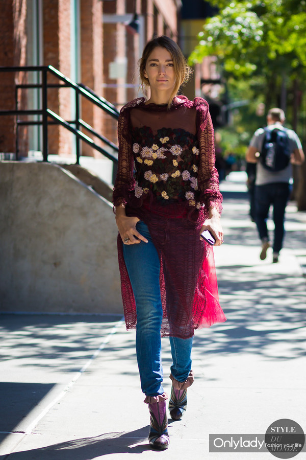 Sofia-Sanchez-de-Betak-by-STYLEDUMONDE-Street-Style-Fashion-Photography0E2A9705-700x1050@2x