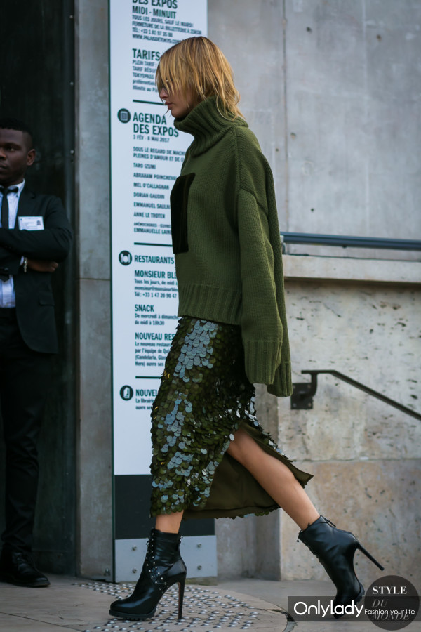 Hailey-Baldwin-by-STYLEDUMONDE-Street-Style-Fashion-Photography0E2A3234-600x900