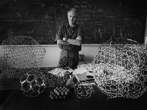 自被发现以来,富勒烯一直在纳米科学界广受关注,尤其是因为其稳定的结
