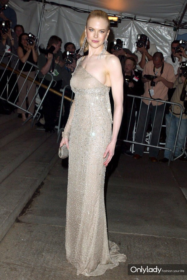 Nicole-Kidman-The-Met-Ball-2003