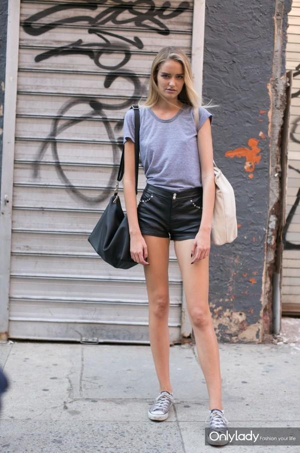 Model-Summer-Street-Style-Looks-16-700x1057