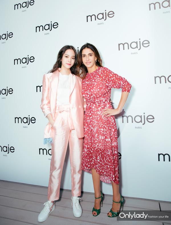 欧阳娜娜(左)与Maje品牌创办人兼艺术总监Judith Milgrom(右)