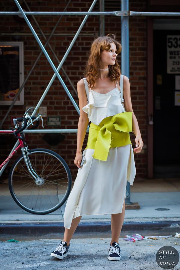Irina-Kravchenko-by-STYLEDUMONDE-Street-Style-Fashion-Photography0E2A8385-700x1050@2x