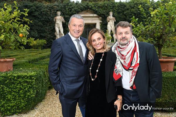 宝格丽首席执行官让·克里斯托夫·巴宾、宝格丽创意总监Lucia Silvestri及法国作家和珠宝专家文森特·梅兰